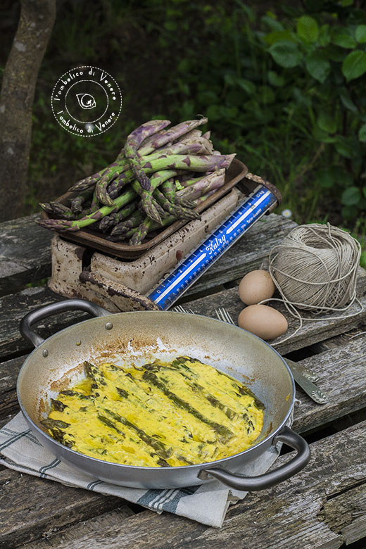 asparagi con crema all'uovo