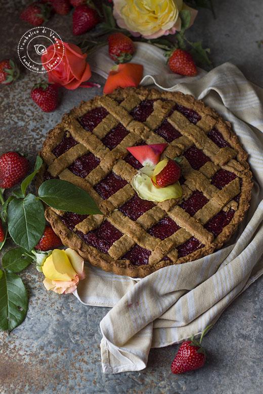 crostata vegana al cocco e confettura di fragole e rose4