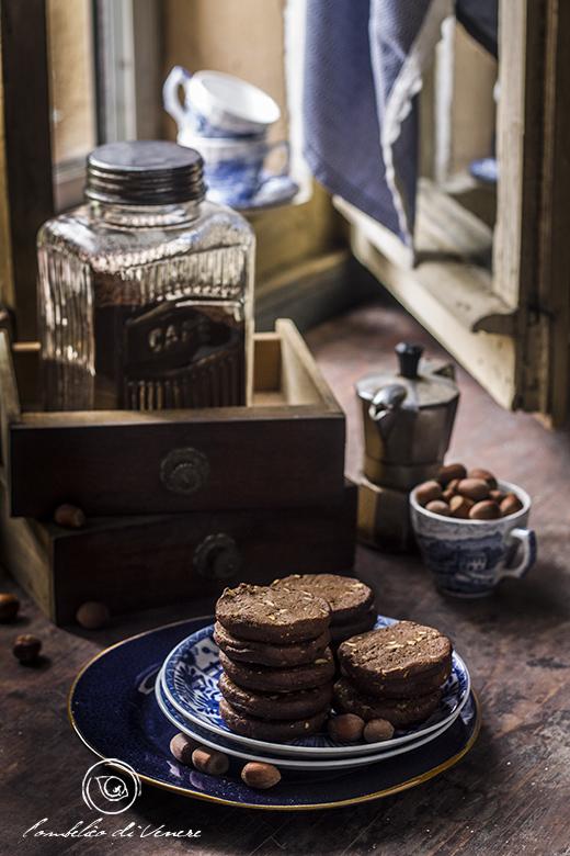 biscotti-al-cioccolato-fondente-caffe-e-nocciole