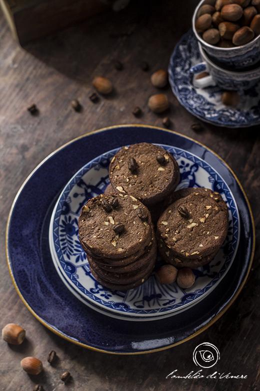 biscotti-al-cioccolato-fondente-caffe-e-nocciole1