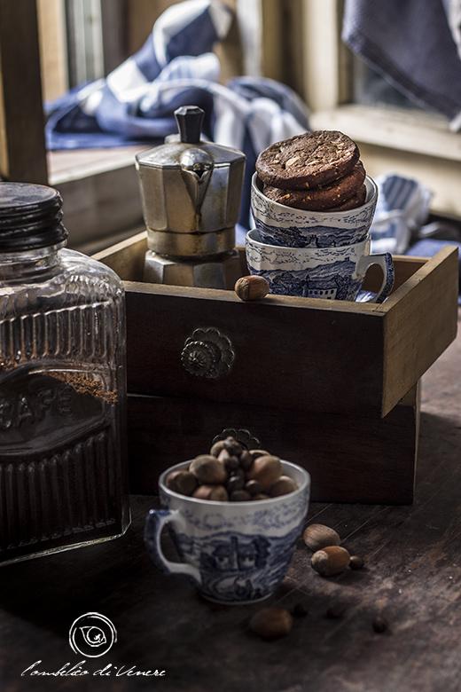 biscotti-al-cioccolato-fondente-caffe-e-nocciole2