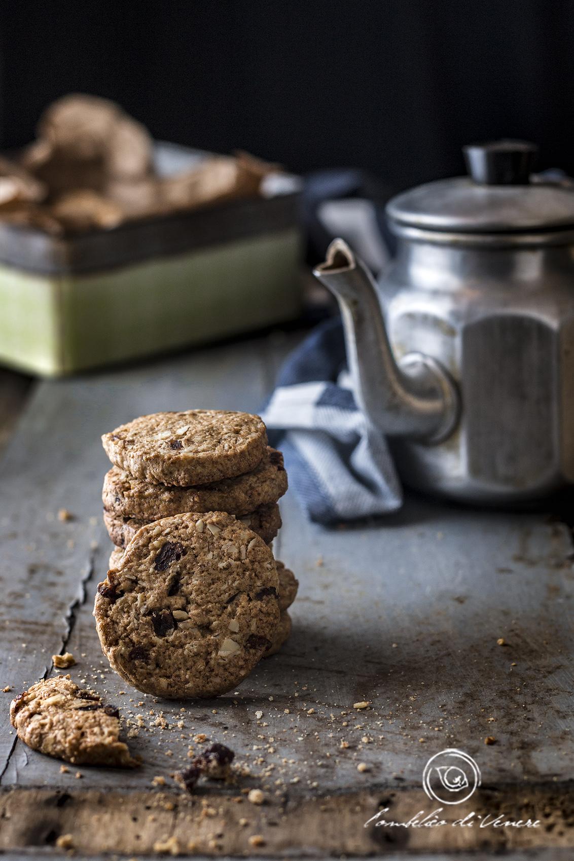 biscotti integrali con avena ribes e mandorle